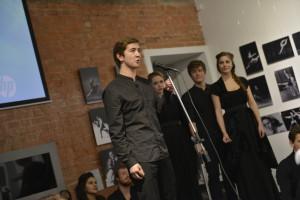 В церемонии приняли участие студенты 4 курса Института имени Бориса Щукина, художественный руководитель Александр Коручеков.