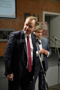 Хуго Эрикссен от имени Попечительского совета Премии поздравляет Лауреатов Премии.